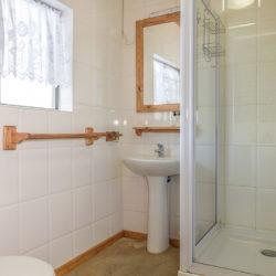 26 Bathroom room 8-6031